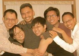 i2i small group photo